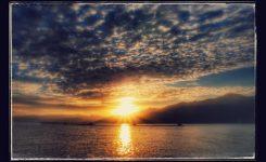 宮古湾の日の出 絵画